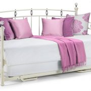 1490632797_sophie-daybed